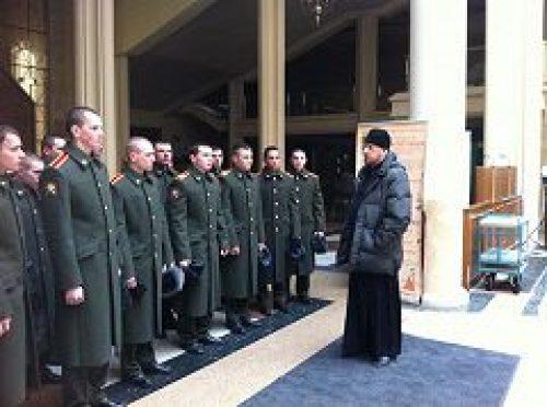 Курсанты Военного университета Министерства обороны Российской Федерации совершают паломничества по святыням Москвы