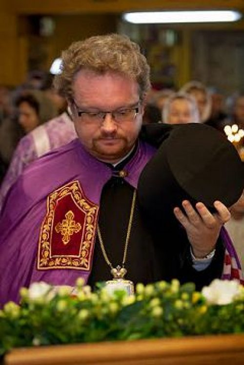 Епископ Выборгский и Приозерский Игнатий совершил Божественную литургию в храме прп. Алексия, человека Божия, в Крылатском