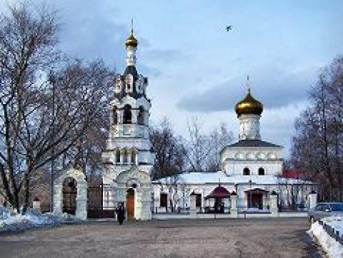 Сотрудники Управления делами Московской Патриархии собрались в храме пророка Божия Илии в Черкизове на общую молитву