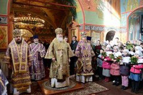 В неделю 5-ю Великого поста Предстоятель Русской Церкви совершил Литургию в храме Спаса Нерукотворного Образа на Сетуни