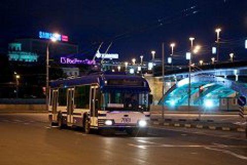 Наземный транспорт Москвы будет работать на Пасху до половины четвертого утра