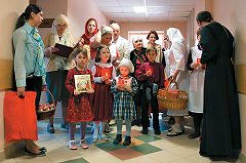 Служба помощи «Милосердие» поздравит с Пасхой более 23 тысяч нуждающихся