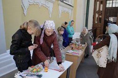 К празднику Святой Пасхи приход храма пророка Илии в Обыденском переулке организовал ряд благотворительных мероприятий