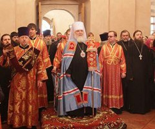 Митрополит Истринский Арсений совершил Божественную литургию в храме сщмч. Антипы на Колымажном дворе