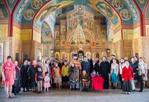 Монахини католического ордена «Дом матери Терезы» с подопечными посетили храм святителя Николая в Покровском