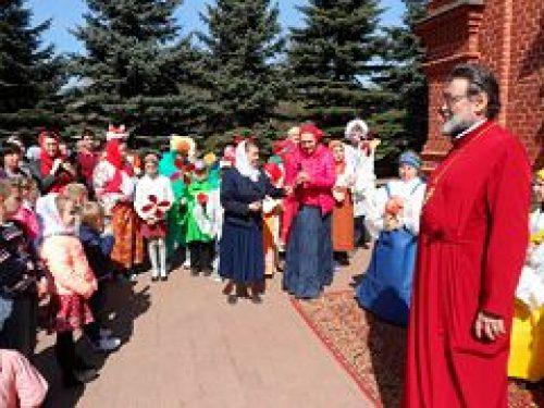 В храме Спаса Нерукотворного Образа на Сетуни прошел детский пасхальный праздник