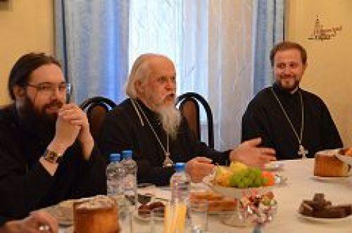 Епископ Орехово-Зуевский Пантелеимон принял участие в заседании Семейного клуба при храме пророка Божия Илии в Черкизове