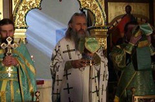 Председатель Синодального отдела по монастырям и монашеству совершил Божественную литургию в Богородице-Рождественском монастыре