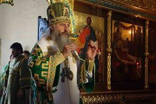Архиепископ Сергиево-Посадский Феогност совершил Божественную литургию в Богородице-Рождественском женском монастыре