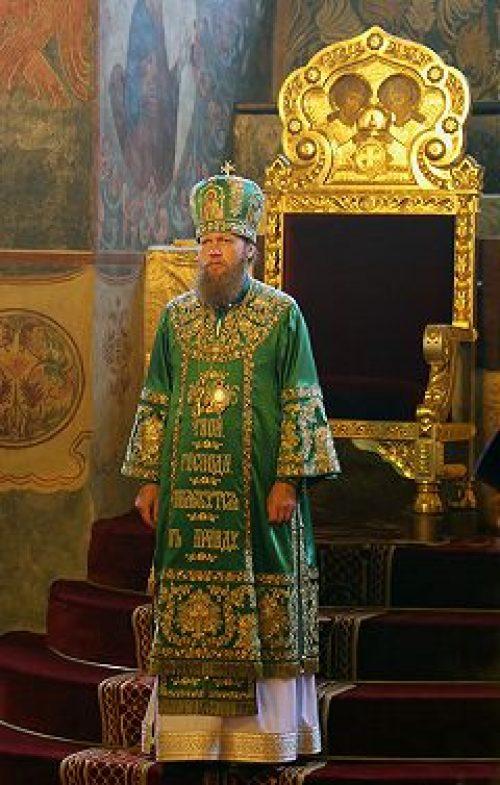 В годовщину архиерейской хиротонии епископ Воскресенский Савва совершил Божественную литургию в Новоспасском монастыре