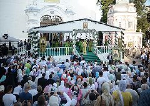 В канун дня памяти преподобного Сергия Святейший Патриарх Кирилл совершил всенощное бдение в Троице-Сергиевой лавре
