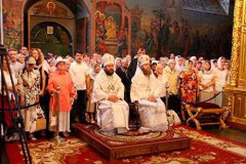 Митрополит Волоколамский Иларион совершил Божественную литургию в Новоспасском монастыре