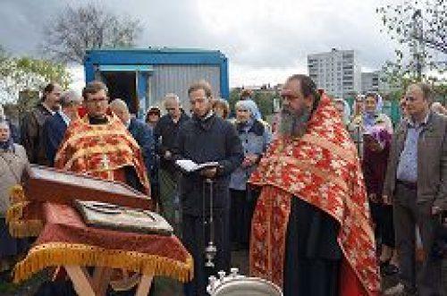 На месте строительства храма св. блгв. кн. Андрея Боголюбского совершен молебен на начало всякого доброго дела