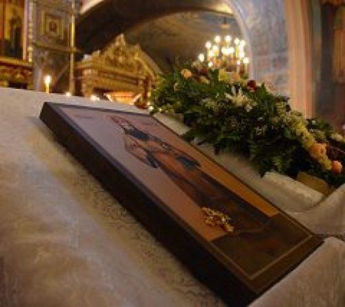 На постоянное хранение в храм пророка Божия Илии в Черкизове принесена икона с частицей мощей свт. Тихона Задонского