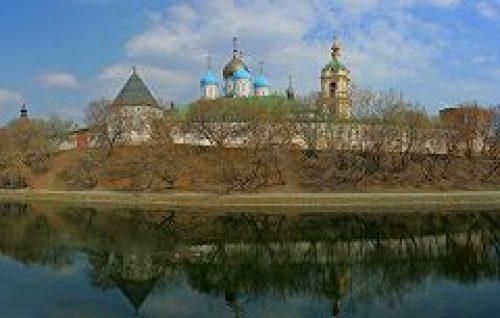 Паломники из Якутской епархии посетили Новоспасский монастырь