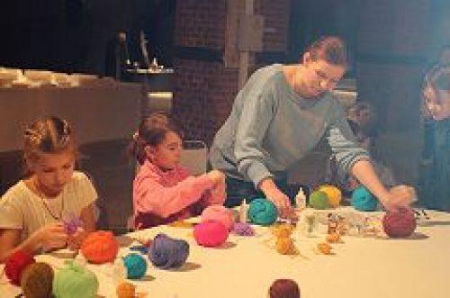 Представители Молодежного объединения «Петровский парк» провели мастер-классы для детей и взрослых на фестивале «Моя Москва/Занесенная Снегом»