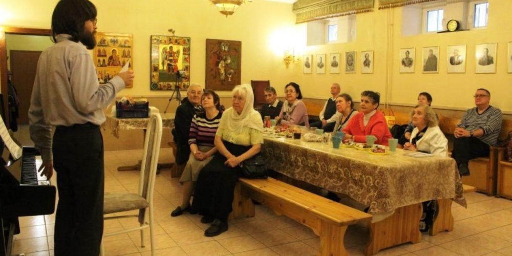 Концерт классической музыки и поэзии прошел в храме Архангела Михаила близ Кутузовской избы
