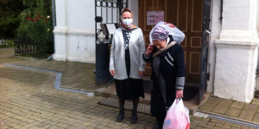 Прихожане храма свт. Димитрия Ростовского отправили одежду и обувь в село в Нижегородской области
