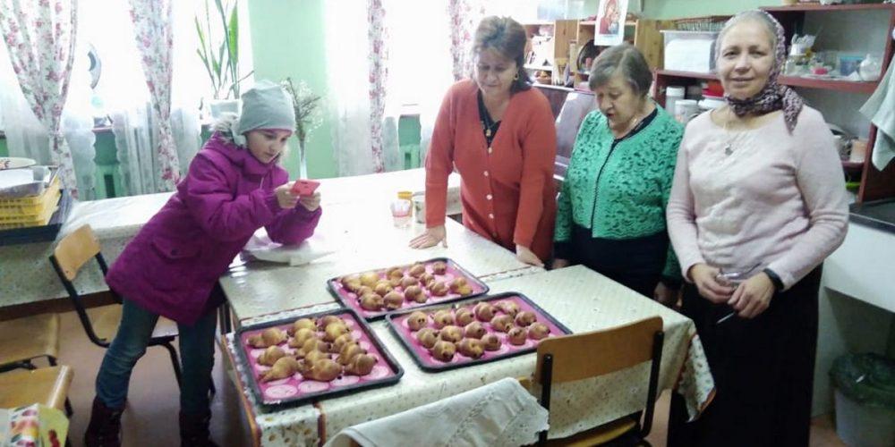 Великопостные сладкие радости воспитанникам детского дома