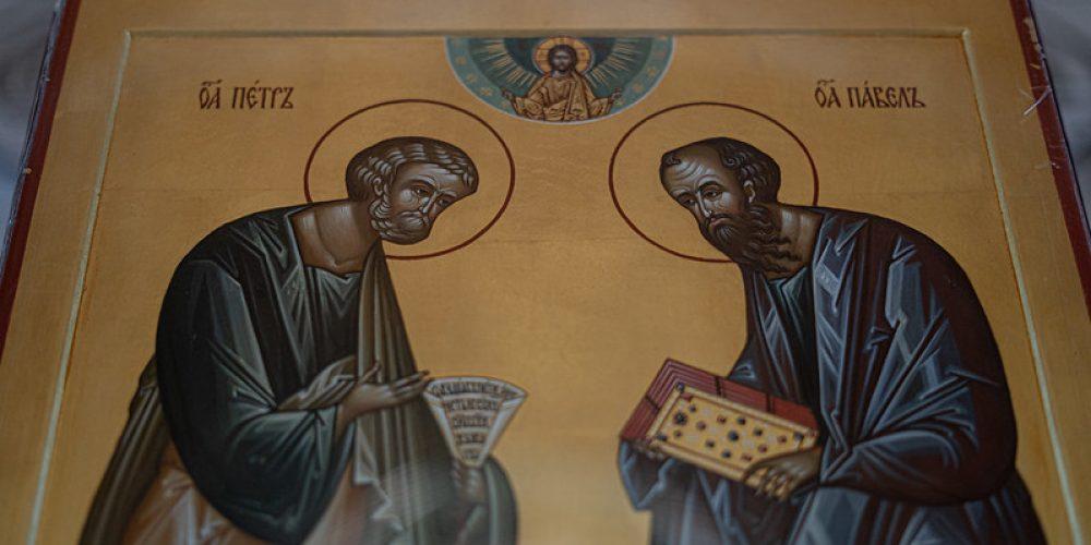 В праздник апостолов Петра и Павла епископ Одинцовский и Красногорский Фома совершил Литургию в Богоявленском соборе