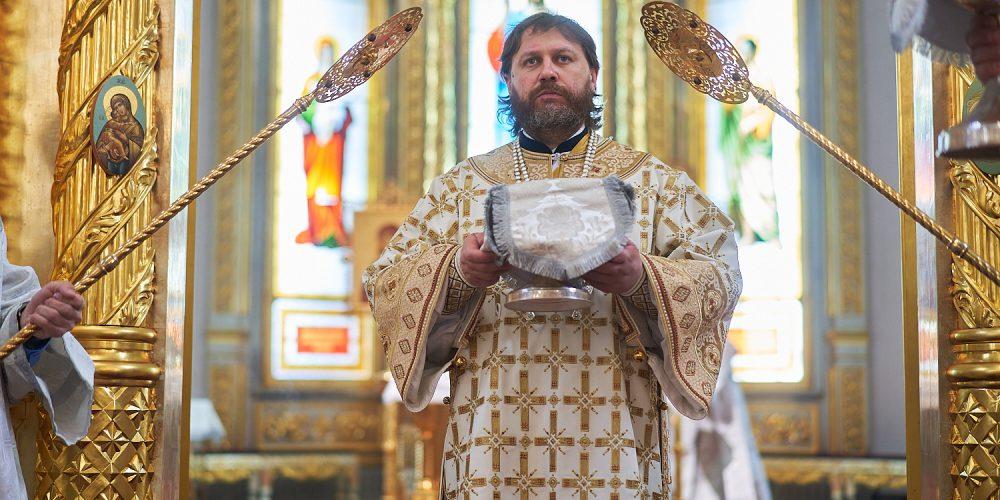 Литургию в Георгиевском соборе города Одинцова возглавил епископ Одинцовский и Красногорский Фома
