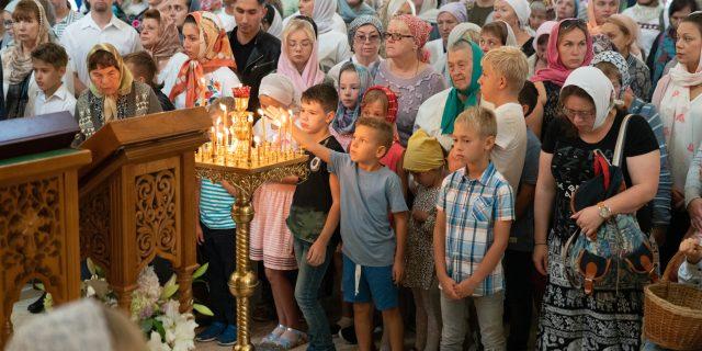 Молебен на начало учебного года в храме св. блгв. Александра Невского при МГИМО