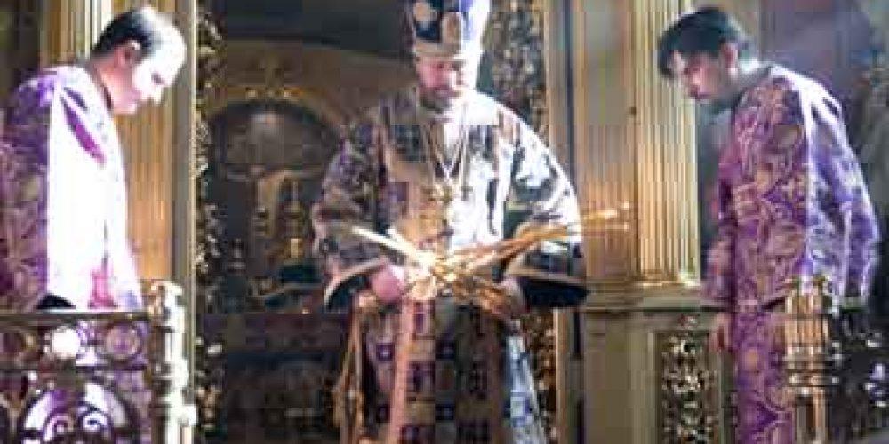 Епископ Фома совершил Божественную литургию в храме святителя Николая в Хамовниках