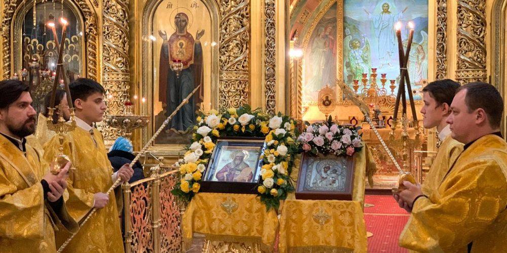 В день памяти свт. Алексия, митр. Московского епископ Павлово-Посадский Фома совершил литургию в Богоявленском соборе