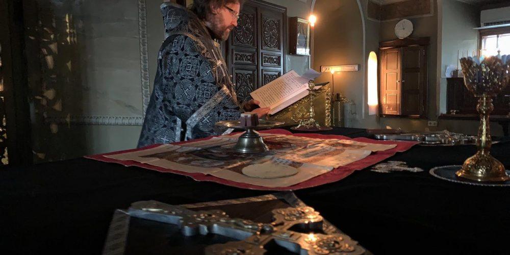 Епископ Павлово-Посадский Фома совершил Литургию Преждеосвященных Даров в храме свт. Николая в Хамовниках