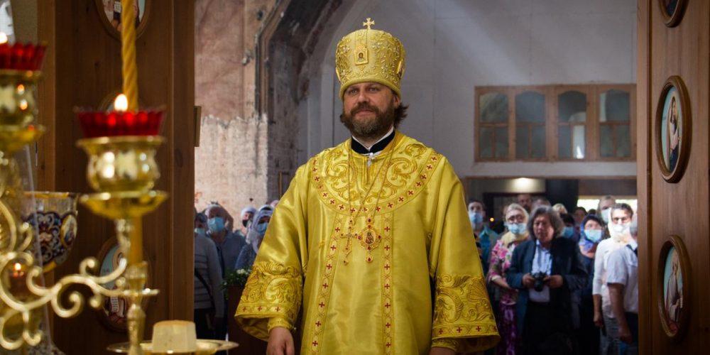 Епископ Фома совершил Литургию в Иоанно-Предтеченском храме села Раменье