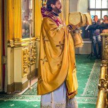 В храме свт. Николая в Хамовниках епископ Фома совершил Божественную литургию
