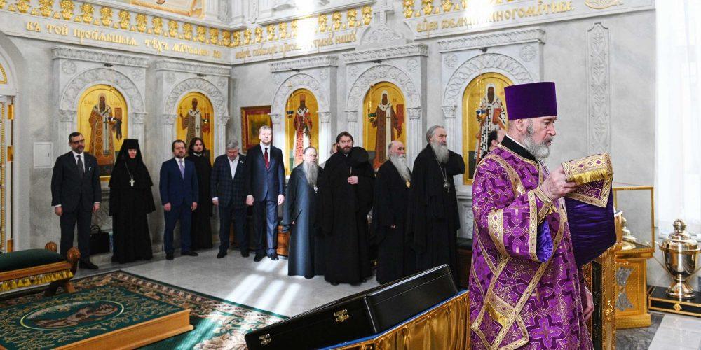 Епископ Фома прибыл поздравить Святейшего Патриарха с годовщиной архиерейской  хиротонии