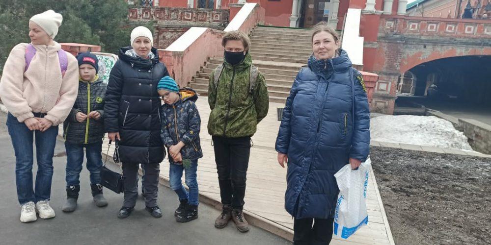 Ученики Воскресной школы храма иконы Божией Матери «Неопалимая Купина» посетили московские монастыри