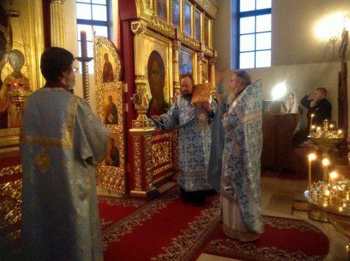 Праздник Сретенья Господня в храме Воскресения Христова в Толстопальцеве