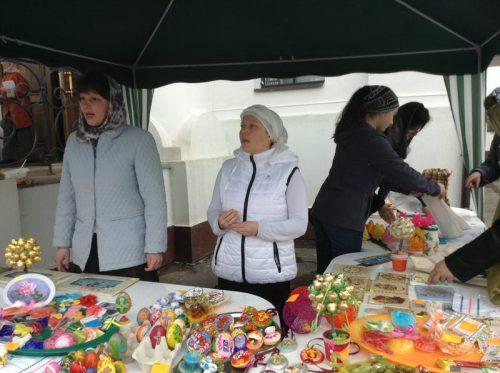 Благотворительная ярмарка «Вербное воскресенье» в храме Воскресения Христова в Толстопальцеве