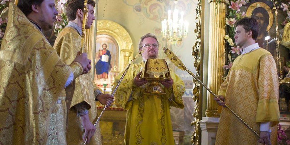Торжества престольного праздника храма Рождества Иоанна Предтечи на Пресне