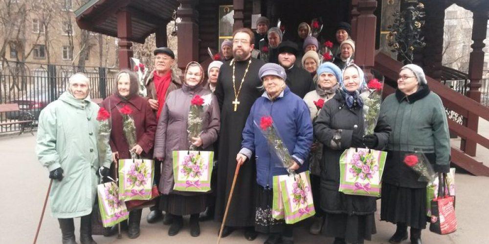 Чаепитие для ветеранов в храме прав. Иоанна Русского в Кунцево