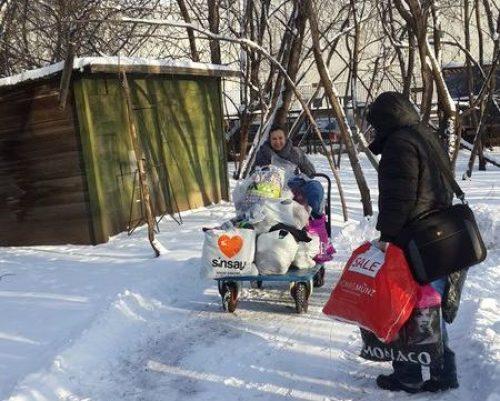 Помощь многодетной семье священника Луганска