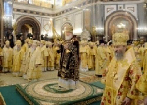 В седьмую годовщину интронизации Святейшего Патриарха Кирилла в Храме Христа Спасителя совершена Божественная литургия