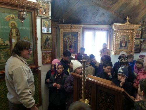 В храме прп. Серафима Саровского в Кунцеве прошла экскурсия для школьников