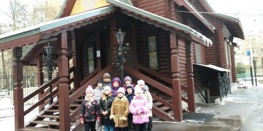 Беседа с подопечными ГБУ Центр социальной помощи семье и детям «Палитра» в храме прав. Иоанна Русского