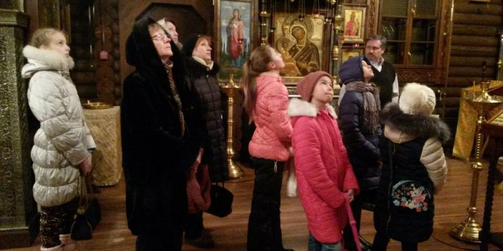 Ученики ГОУ СОШ №887 посетили храм прав. Иоанна Русского