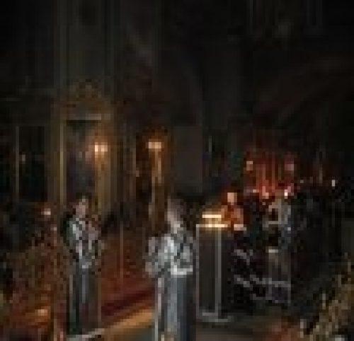 Епископ Бронницкий Игнатий совершил в соборе Богоявления в Елохове чтение канона прп. Андрея Критского