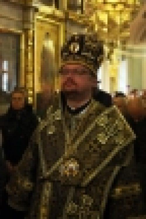 В неделю Крестопоклонную епископ Бронницкий Игнатий возглавил Божественную Литургию в храме Рождества Иоанна Предтечи на Пресне