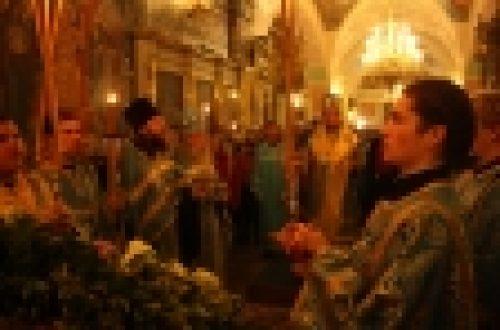 В праздник Казанской иконы Божией Матери епископ Бронницкий Игнатий возглавил праздничные богослужения
