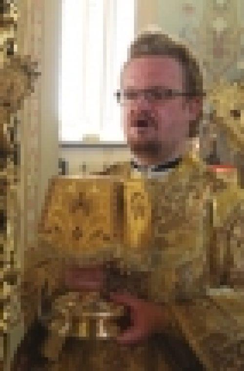 В Неделю 16-ю по Пятидесятнице епископ Бронницкий Игнатий совершил Божественную литургию в храме Рождества Иоанна Предтечи на Пресне
