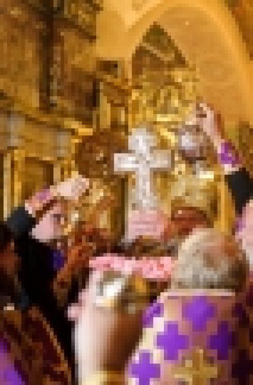 В канун праздника Воздвижение Честного и Животворящего Креста Господня епископ Бронницкий Игнатий совершил Всенощное бдение в храме Рождества Иоанна Предтечи на Пресне