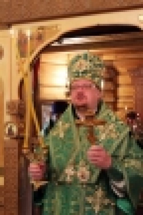 Епископ Бронницкий Игнатий совершил Божественную литургию в храме прп. Серафима Саровского в Филевской пойме