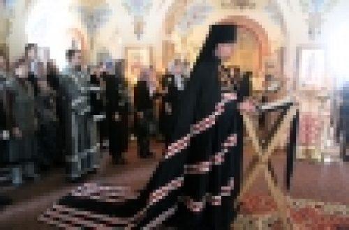 Епископ Выборгский и Приозерский совершил Великое повечерье в Крестовоздвиженском Иерусалимском ставропигиальном женском монастыре