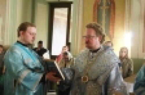 .Епископ Выборгский и Приозерский Игнатий совершил утреню с чтением Акафиста Пресвятой Богородице